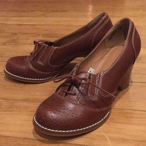 NWOT business bootie vegan pump heel w stitching
